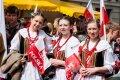 Mes - Vilniaus lenkai: neįprasta tradicinio lenko ausiai kalba, skardus juokas, gan ryški apranga