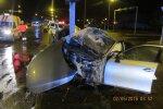 Видео: мчавшийся на большой скорости пьяный беглец врезался в светофор