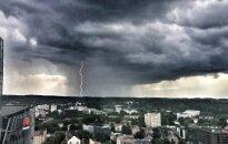 Опасные грозы в Европе: один человек погиб и десятки пострадали от ударов молнии