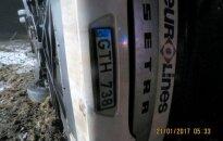 В Клайпедском районе перевернулся автобус: погиб один водитель