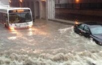 Аномальный ливень затопил улицы Торонто