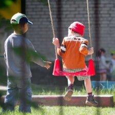 Kokio amžiaus vaikui geriausia pradėti lankyti darželį? Apklausa