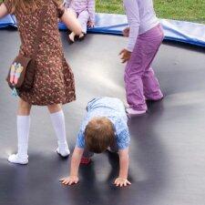 Iki nelaimės – vienas žingsnis: ką svarbu žinoti tėvams