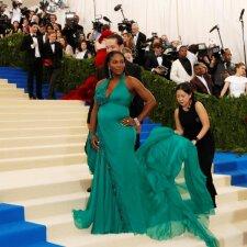 Būsima mamytė Serena Williams mados pokylyje nepasikuklino