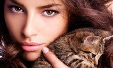 Mergina ir katinas