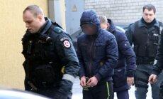 Senolės nužudymu įtariami asmenys atvesti į teismą