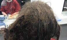 Kirpėja atsisakė plikai skusti depresija sergančią merginą. Tik pažvelk, ką jai pavyko padaryti su jos plaukais