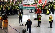 Dėl streiko Vokietijos oro uostuose atšaukiama šimtai skrydžių