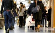 Prekybos centruose - masinės dovanų paieškos