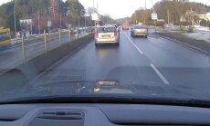 Nufilmavo, kaip vos neįvyko tragedija: BMW vairuotojo perėja nesulaikė