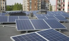 Saulės energijos jėgainė ant namo stogo