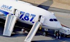 Japonijoje evakuoti keleiviai iš avariniu būdu nutūpusio Dreamliner lėktuvo