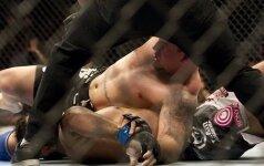 Как боец MMA нокаутировал танцевавшего перед ним противника