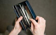 Vyras atvėrė piniginę – suskaičiavo, kiek pinigų išleidžia per mėnesį
