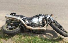 Į avariją patekęs motociklininkas ieško liudininkų
