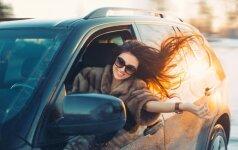 Ko automobilyje reikia šiuolaikiškoms moterims