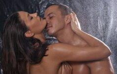 Aistringos sekso pozos vandenyje (S)