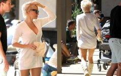 Žvaigždės be stilistų: kaip Pamela Anderson atrodo realiame gyvenime