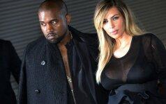 Kim Kardashian su bikiniu demonstruoja, kaip sulieknėjo po gimdymo (foto - straipsnyje)