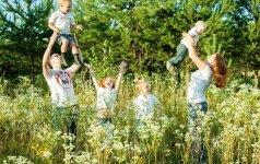 Vasara su vaikais: 10 įdomių ir pigių laisvalaikio idėjų