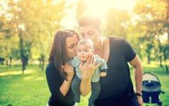Psichologė: kuo tėčio meilė vaikui skiriasi nuo mamos