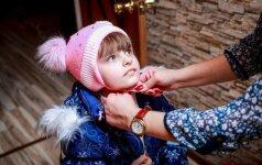 Du vaikus įvaikinusi šeima įvardijo didžiausius patiriamus sunkumus