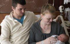 Ekstremalus gimdymas automobilyje: naujagimis pasitaikė nekantrus FOTO