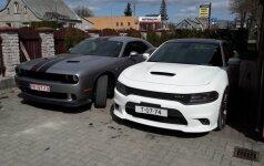 В Кретинге угнали два автомобиля Dodge, автомобили объявили в розыск