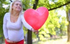 Žinutė apie laukiamą septintą vaikelį tirpdo internautų širdis
