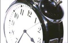 Laikrodžio persukimas: papildoma valanda vieniems, galvos skausmas kitiems