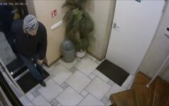 Vaikino prašymas: padėkite pričiupti nufilmuotą mamą apvogusį vyrą