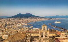 Neapolis: tarp poilsio ir pažinimo, tarp miesto ir gamtos