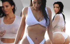 Kim Kardashian nerimsta: šį kartą - šlapių marškinėlių šou ir visos jos grožybės