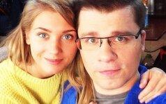 ФОТО: Гарик Харламов и Кристина Асмус перестали скрывать лицо дочери