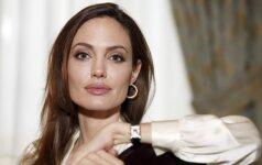 Kaip paprasta mergina virsta Angelina Jolie (VIDEO)