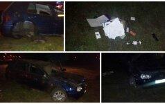 """Kaune iš kūliais virtusio """"VW Golf"""" iškrito alkoholio buteliai, vairuotojas prašė nekviesti policijos"""