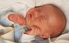 27 savaitę gimęs Pijus: atkakli kova už teisę gyventi