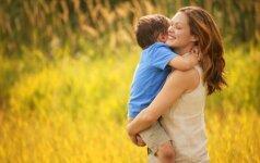 Vaiko su Dauno sindromu atliekama daina nepaliko abejingų