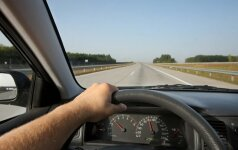 10 patarimų, kad neprailgtų kelionė su automobiliu