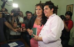 9-ą mėnesį nėščias transseksualas vedė savo išrinktąją FOTO+APKLAUSA
