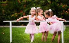 Nuo kada vaikui reikia būrelių: 4 specialistų nuomonės