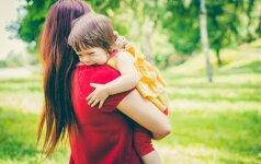 Kaip susitvardyti, kai vaikas išveda iš kantrybės: mamų išbandyti būdai