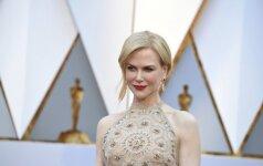 Nė neįtartum, kokias kančias vilkėdama šią suknelę patyrė Nicole Kidman