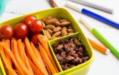4 paprasti triukai, kurie paskatins valgyti sveikiau vaikus