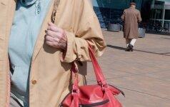 Konsultantei trūko kantrybė: anūkai, padėkite seneliams pirkti elektroninėse parduotuvėse