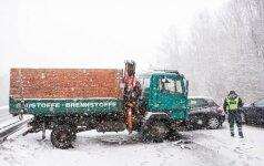 На магистрали Вильнюс-Каунас произошло ДТП