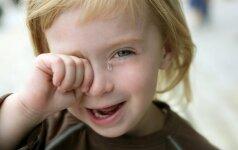Ką daryti, kad atvestas į darželį vaikas neverktų?