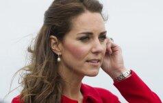 Kate Middleton priversta raudonuoti dėl savo mamos elgesio