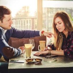 Skyrybų kančias išgyvenančioms: kaip atsigauti po išsiskyrimo?