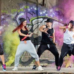 """Šokių kovose """"Vilnius Street Battle 2017"""" merginos meta iššūkį vaikinams (FOTO)"""